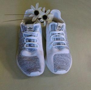 🌼New Listing🌼 Adidas tubular sneakers